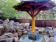 河口湖温泉の元湯 野天風呂 天水